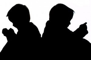 sitting-children-silhouette