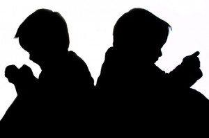 sitting-children-silhouette